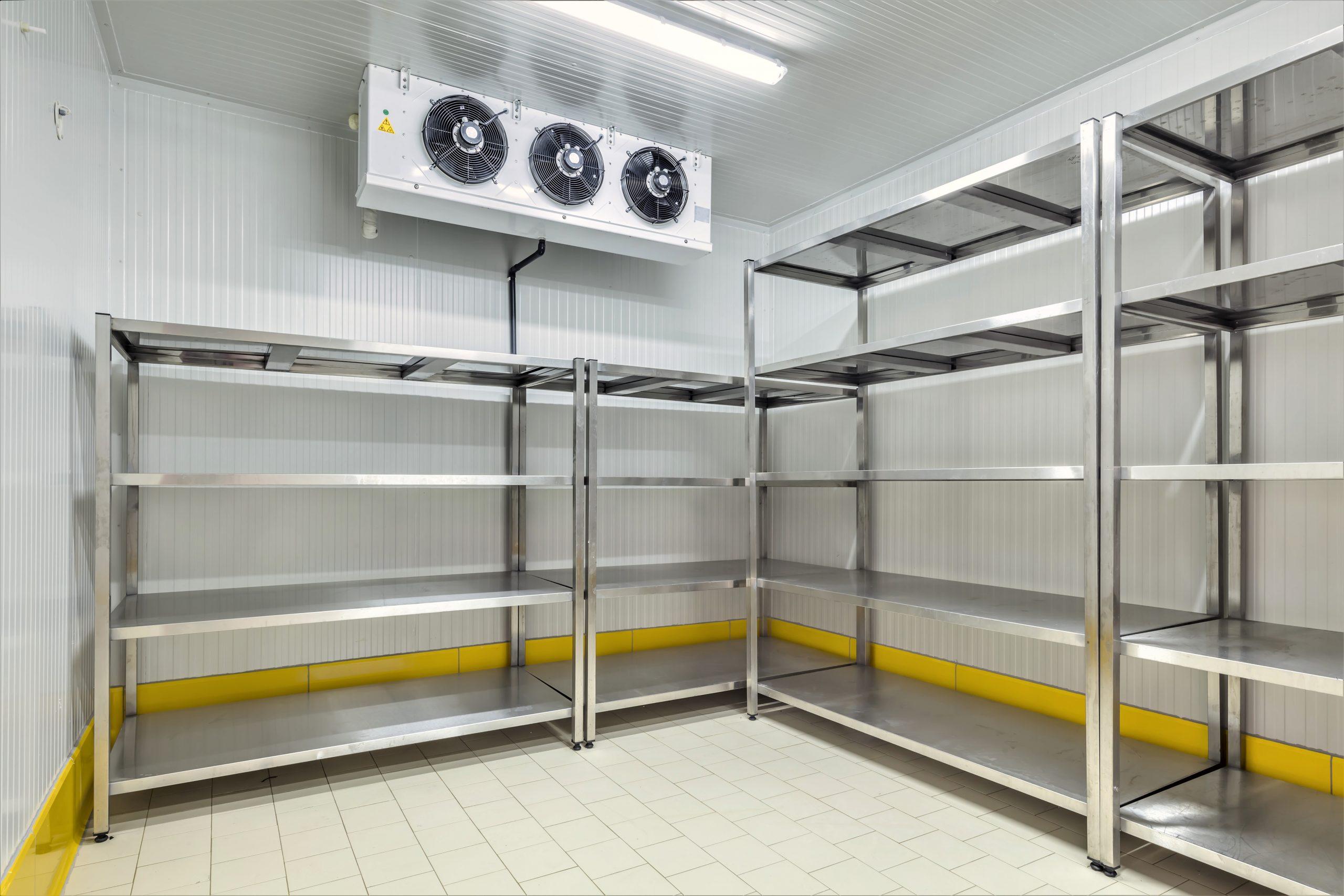 Kølerum med hyldesystem